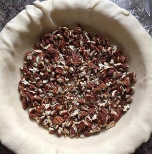 Deep dish of pecans